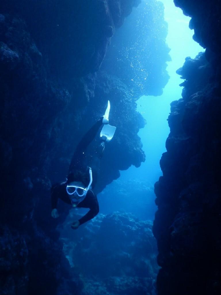 深い溝もスキンダイビング